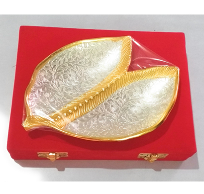 Sankalan Art Gallery Supari Tray, Made of Aluminium, Gold and Silver Plated, Velvet box Packed, size 6