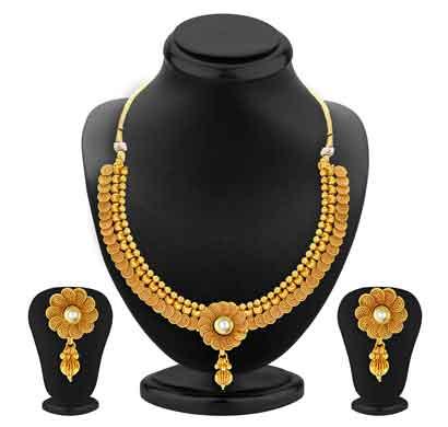 sukkhi floral jalebi design gold plated necklace set for women (2550ngldpp1800)
