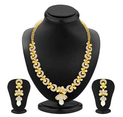 sukkhi glittery gold plated ad necklace set for women (2559nadp550)