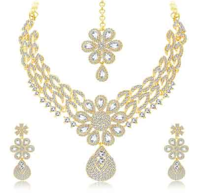 sukkhi glittery gold plated ad necklace set for women (3245nadp4700)
